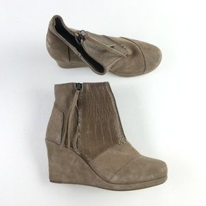 Toms Taupe Wedge Booties X1014899